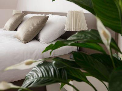 Penzion Holický Dvůr - detail manželské postele